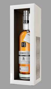 The-Girvan-Patent-Still-25YO_Bottle-and-Carton