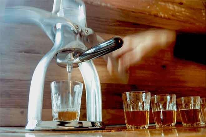 """""""Kopfschuss"""": Tee und Espressomaschine macht Tea Shot"""