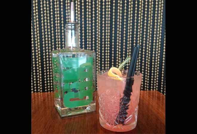 «Without Limits»: der neue Frühlings Drink der CLOUDS Bartender