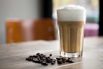 Flat White, Long Black, Cold Drip – Die neue Sprache des Kaffeegenusses