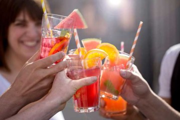 TEE ist heiss auf EIS: Eistee-Drinks in 5 Minuten