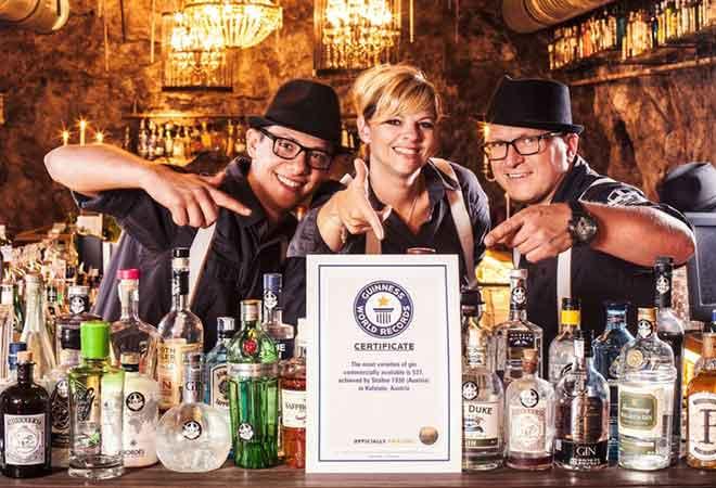 """Guinness bestätigt offiziell das weltweit größte Gin-Sortiment in Kufsteins """"Bar """"Stollen 1930"""""""