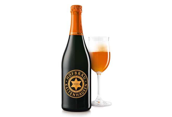 """""""Ignatius"""" Weizenbier: ein bieriger Fruchtkorb im Weissweinglas"""