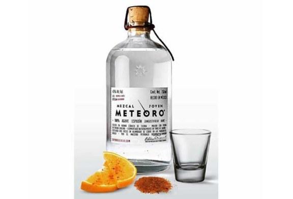 Erfrischender Cocktail mit Mezcal Meteoro