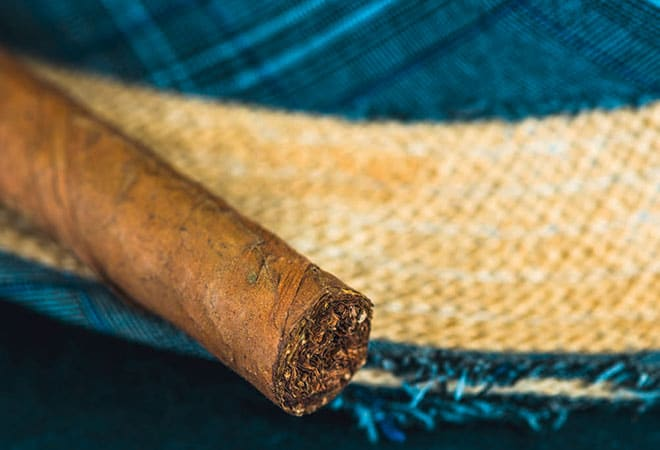 Im Sommer bieten sich eher mildere Zigarren an.