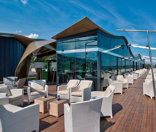 Hotel Beaulac eröffnet Panorama-Lounge-Bar WAVES
