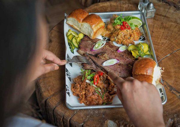 Sradtgerichte kann man in vielen Restaurants geniessen